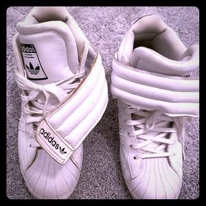 Adidas sneakers with Velcro flap. Cute af.